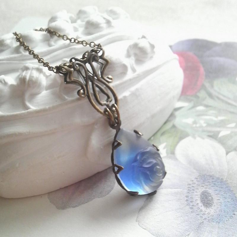 ヴィンテージ ヴィクトリアンSapphire薔薇のネックレス