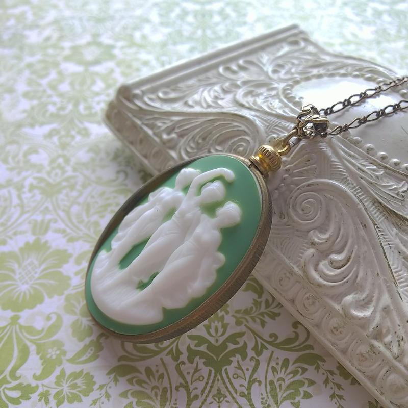 ヴィンテージ 3muses porcelain カメオ/Green ネックレス