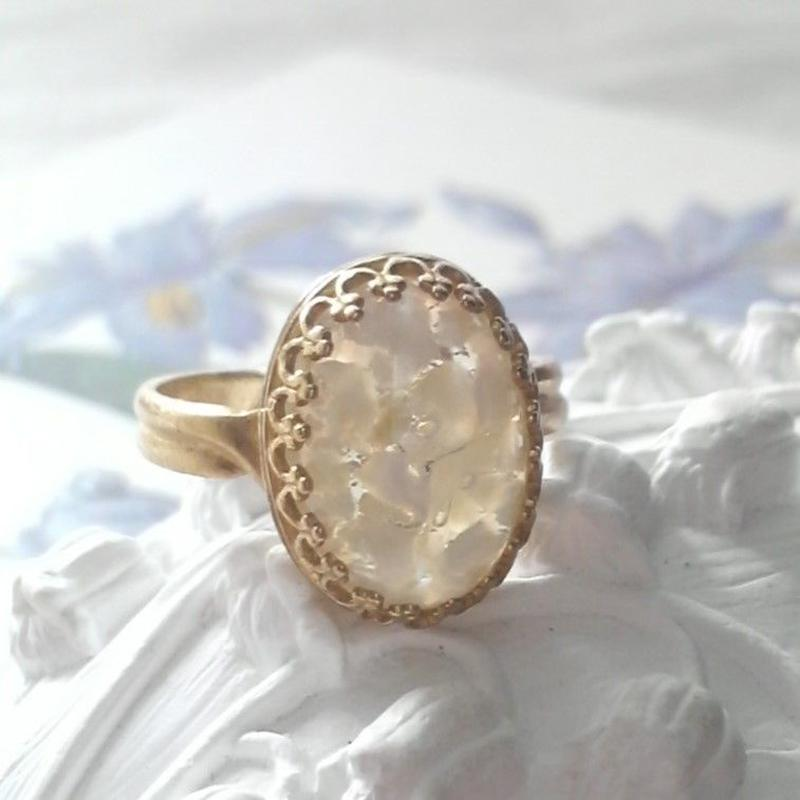 ヴィンテージ 花びらのようなクラシカル指輪