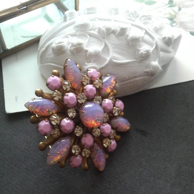ヴィンテージ Pink-Opal Gorgeousブローチ