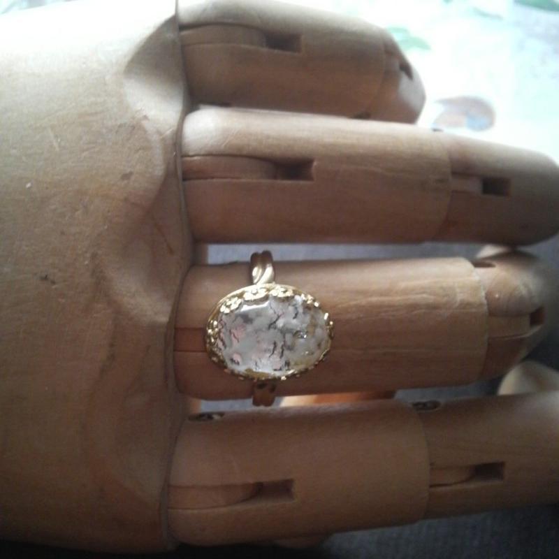 ヴィンテージ White・Foil/クラシカルflower指輪