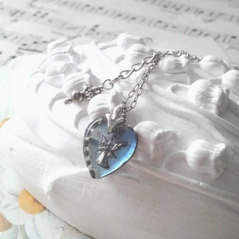ヴィンテージ Blue Angel/Heart-Shaped ネックレス