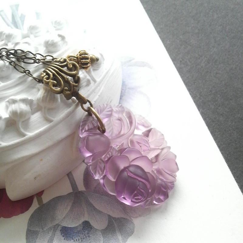 ヴィンテージ Rose/Frost-Purple ネックレス