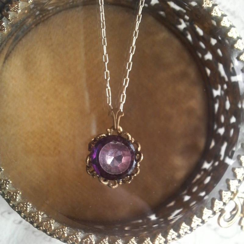 ヴィンテージ Purple 2tone/facet お花のようなネックレス
