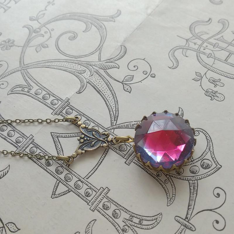 ヴィンテージ Sapphire/Cranberry(18ミリ)真鍮古美スズラン ネックレス