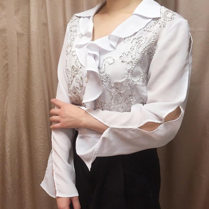 Slash sleeve blouse