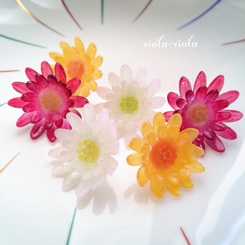 菊のピアス・イヤリング
