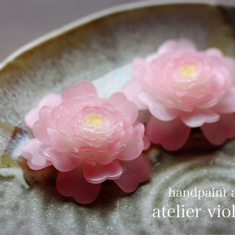 山茶花のコサージュ