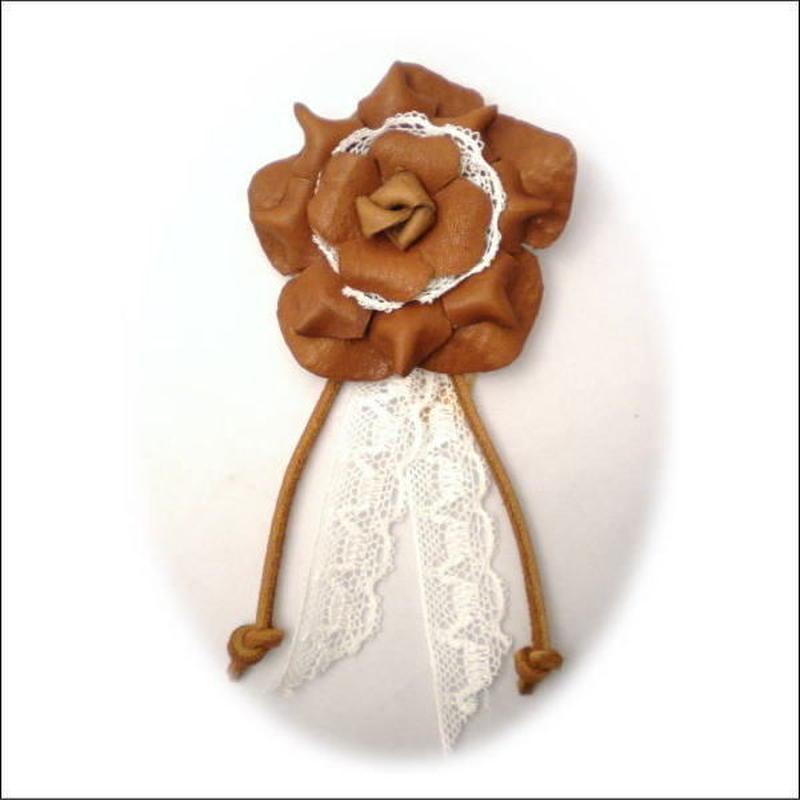 ハンドメイドオリジナル ナチュラル系 花モチーフレザーブローチ 10004178