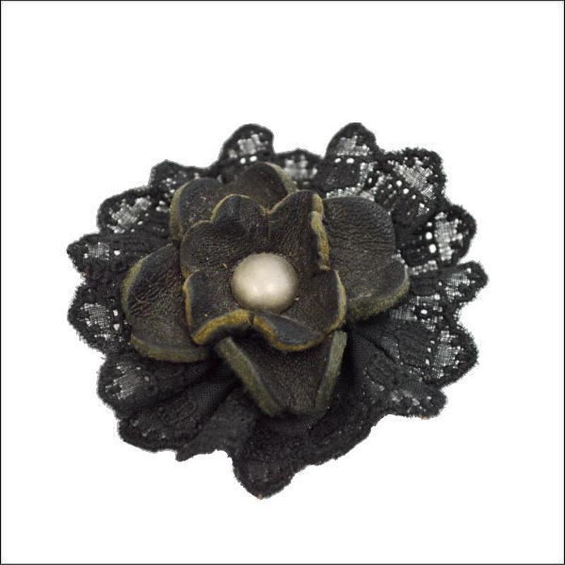 ハンドメイドオリジナル ナチュラル系 花モチーフレザーブローチE 10007105