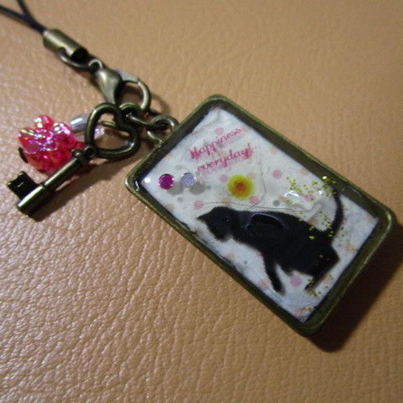 幸せストラップ黒猫