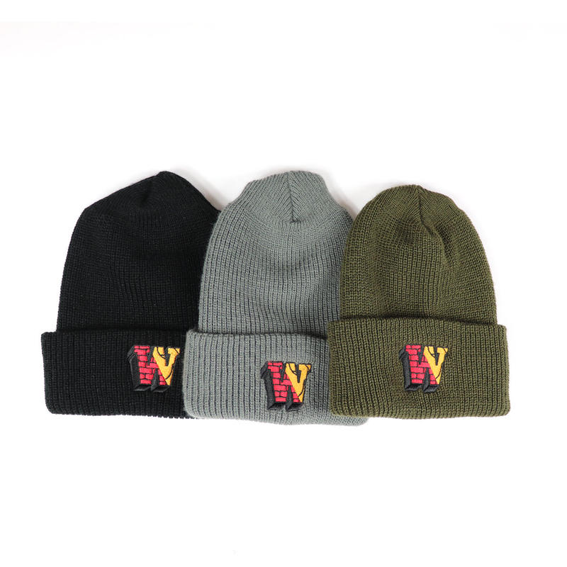 W BLOCK LOGO WATCH CAP