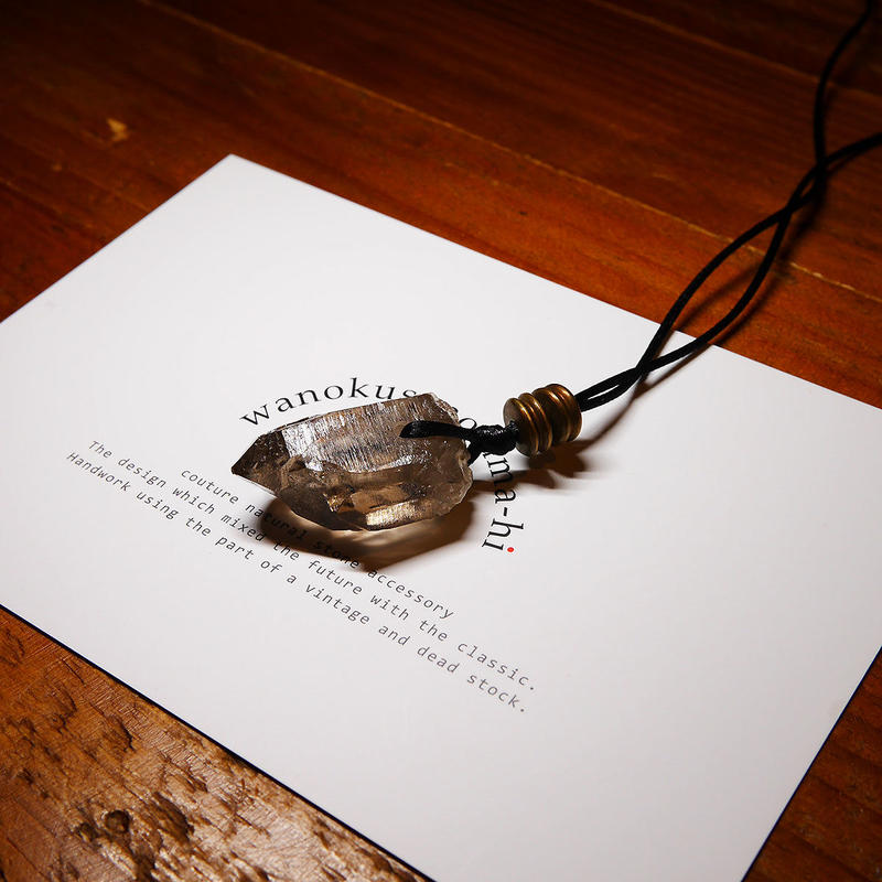 ガウリシャンカール産ヒマラヤ水晶 真鍮パーツネックレス KBE
