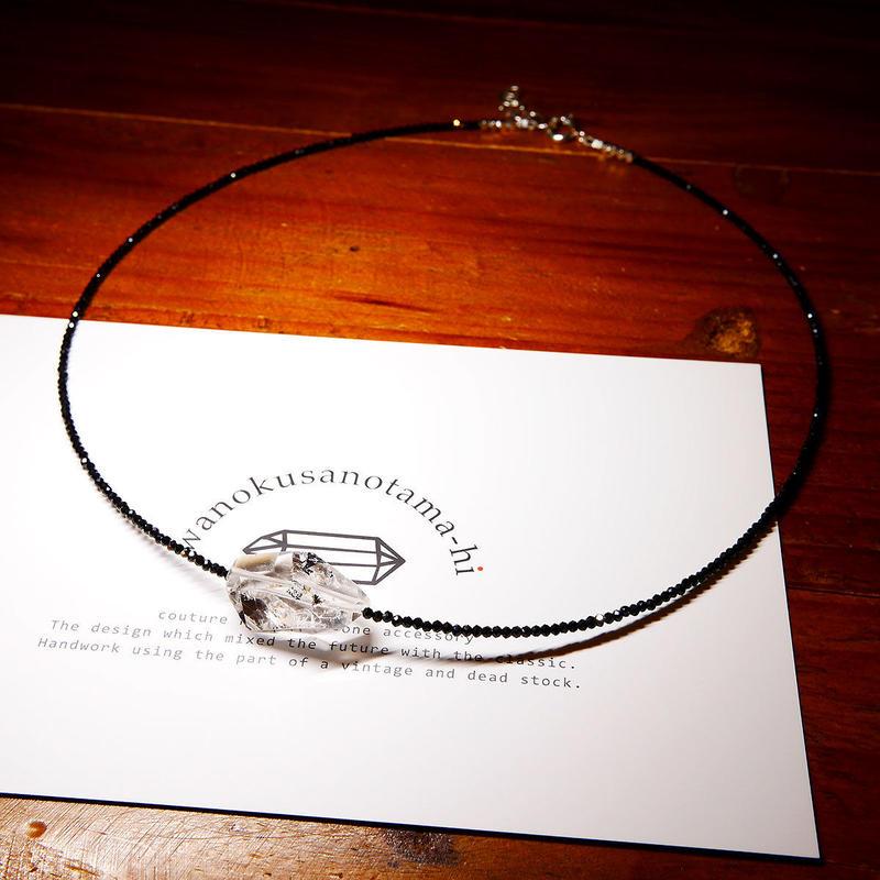 パキスタン産ヒマラヤ水晶クリスタル ・ブラックスピネル ネックレス