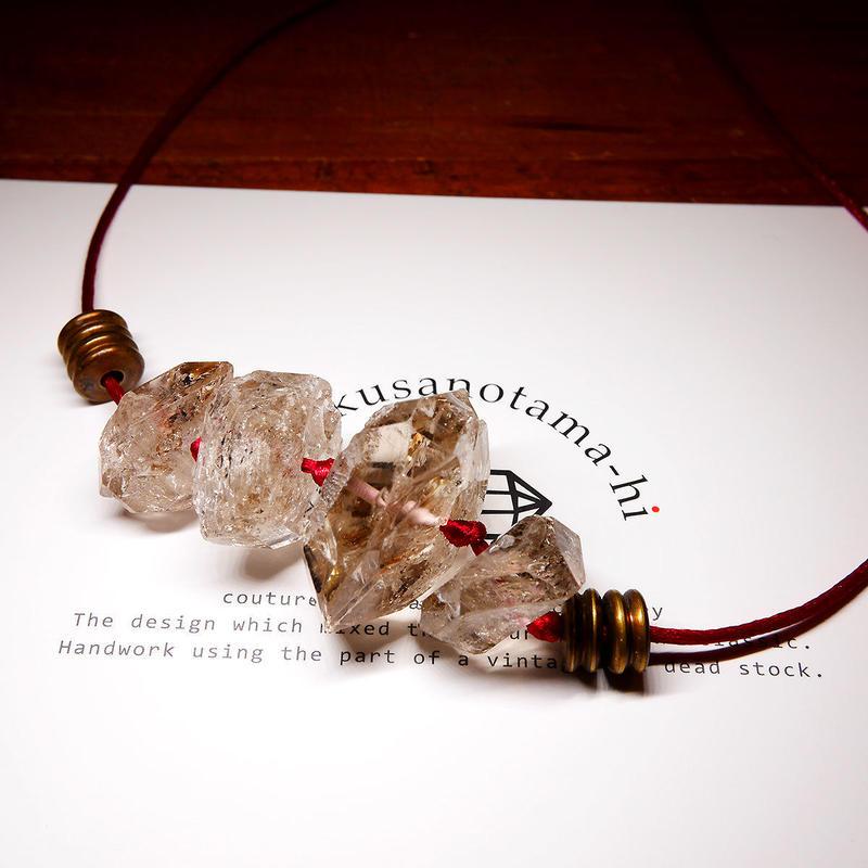 ダブルポイントクリスタル ネックレス 真鍮パーツ B