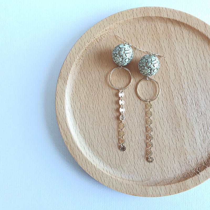 14kgf/Antique style white beads