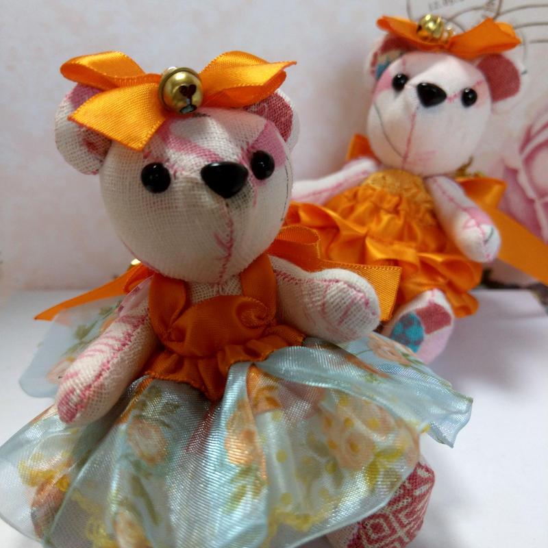 くまキーホルダー,オレンジ&ブルードレス