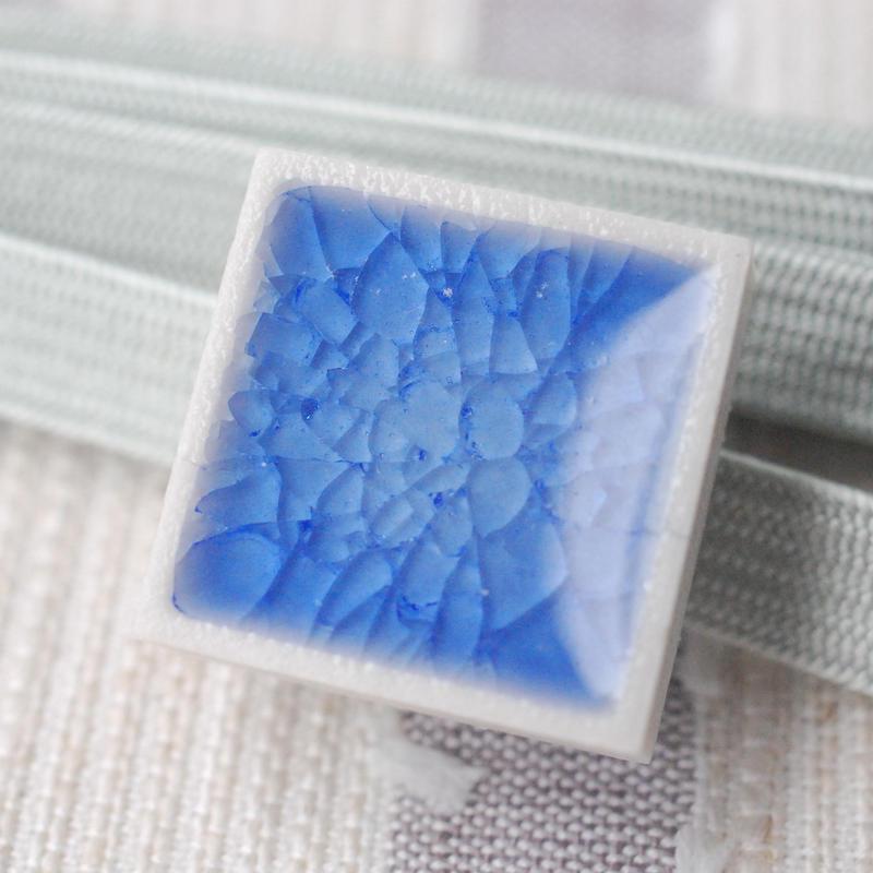 クラックデザインの帯留(藍)