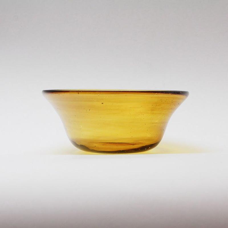 吹きガラス 円すい小鉢(茶)