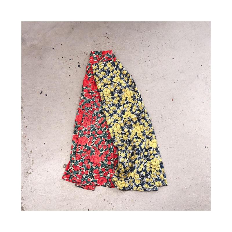 レトロ花柄スカート