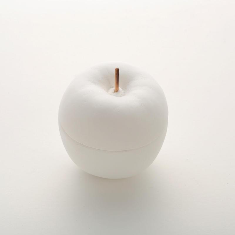 Plaster box / Apple