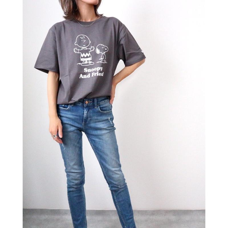 SNOOPYプリントTシャツ【CHARCOAL】