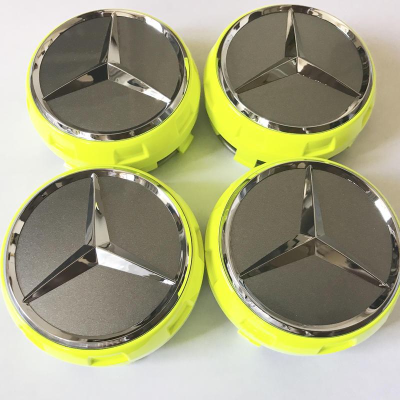 Mercedes-AMG A45 4MATIC World Champion Edition 純正 ハブキャップセット