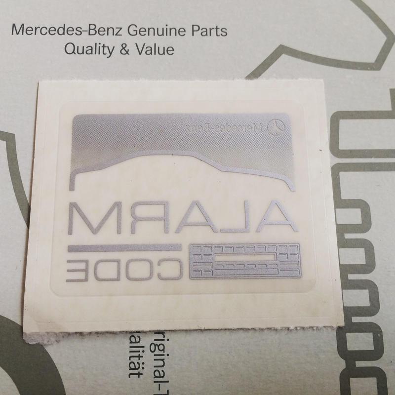 Mercedes-Benz 純正 ALARM  オーディオCODE ステッカー