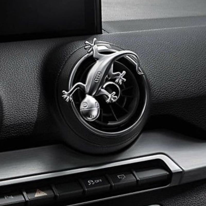 Audi 純正 アルミデザイン ゲッコーエンブレム