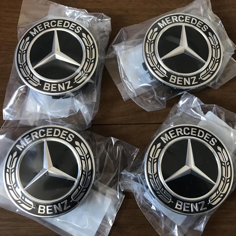 Mercedes-Benz 純正品 ホイールセンターキャップ (ブラック ローレルリース)