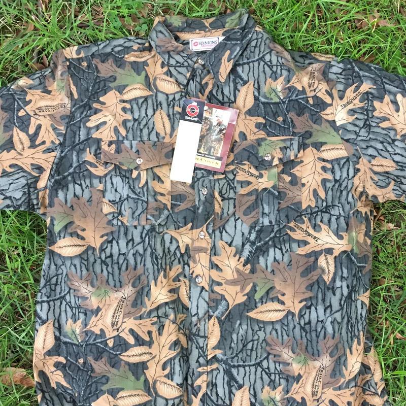 Dead stock Realtree camo  shirt
