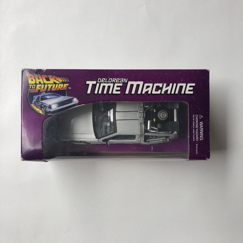 Back to the future Delorian time machine