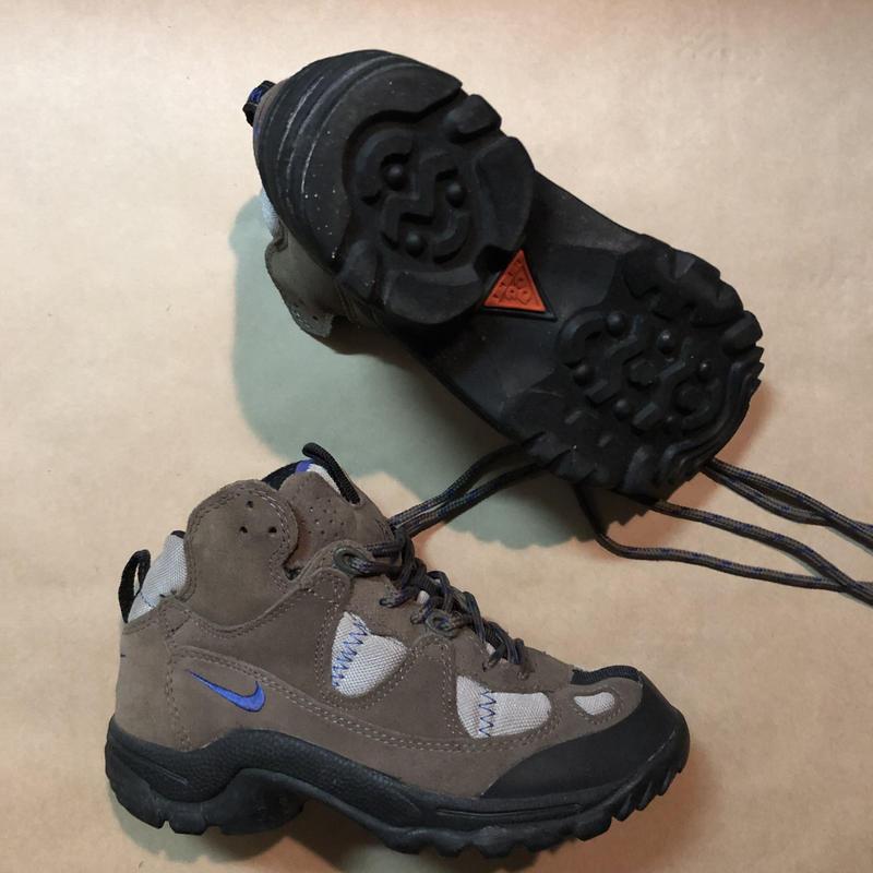 NIKE ACG 90's trail Boot