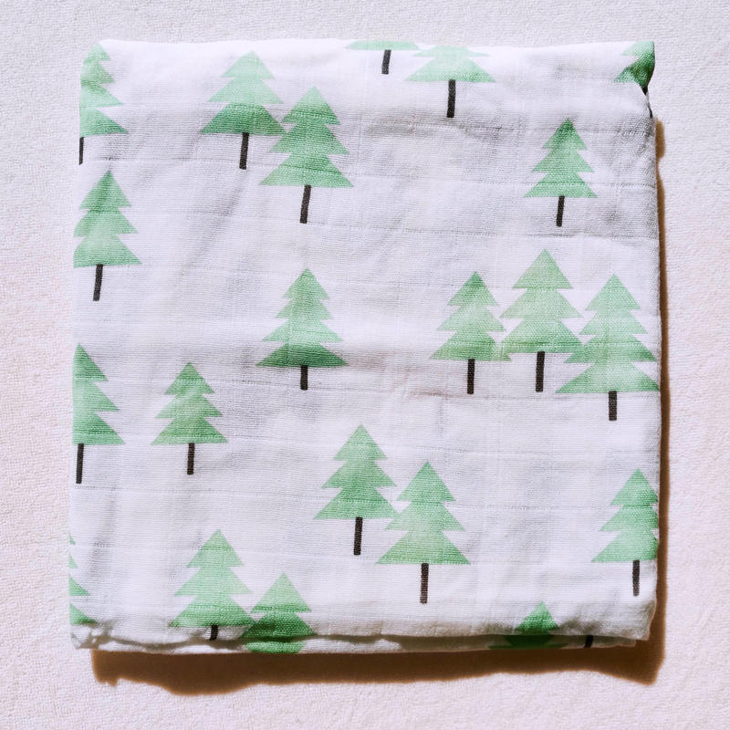 Tree print muslin blanket (green)