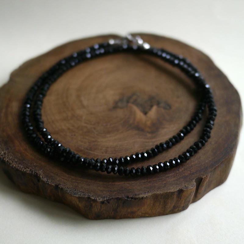 ブラックスピネルネックレス 4×2 096