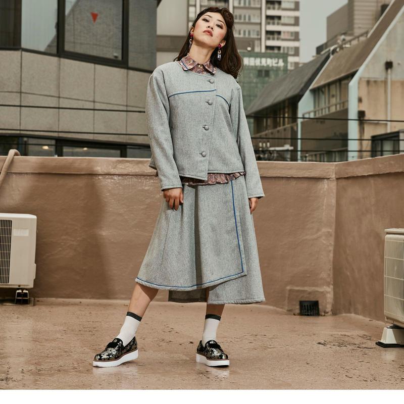 デザイン/ラップ/スカート/秋冬物/ウール/ライトグレー /ブルーパイピング