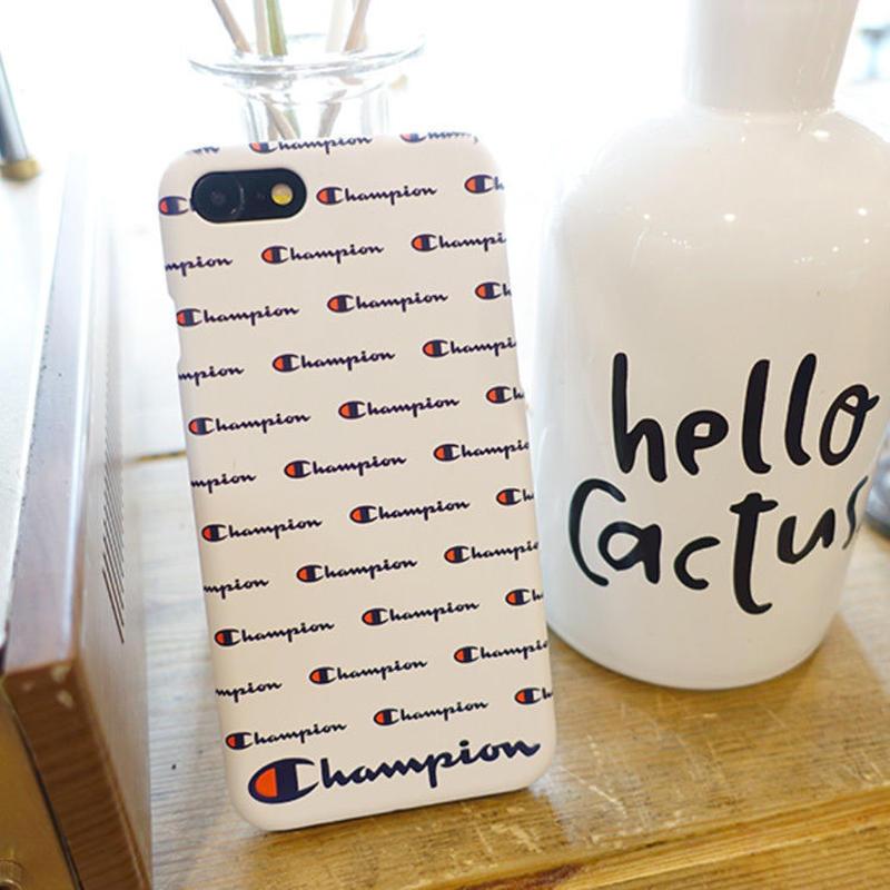 【大人気!!】チャンピオンロゴスリムケータイケース   iPhone7+/iPhone8+  iPhone XR  Galaxy S7  Galaxy S10+ 男女兼用