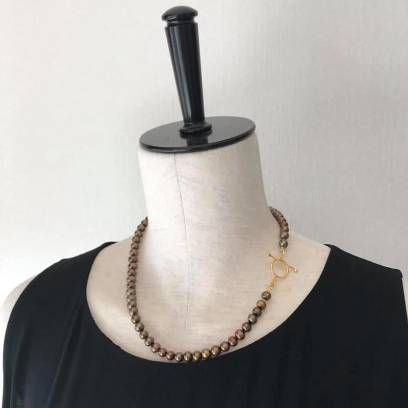 Chocolat pearl necklace