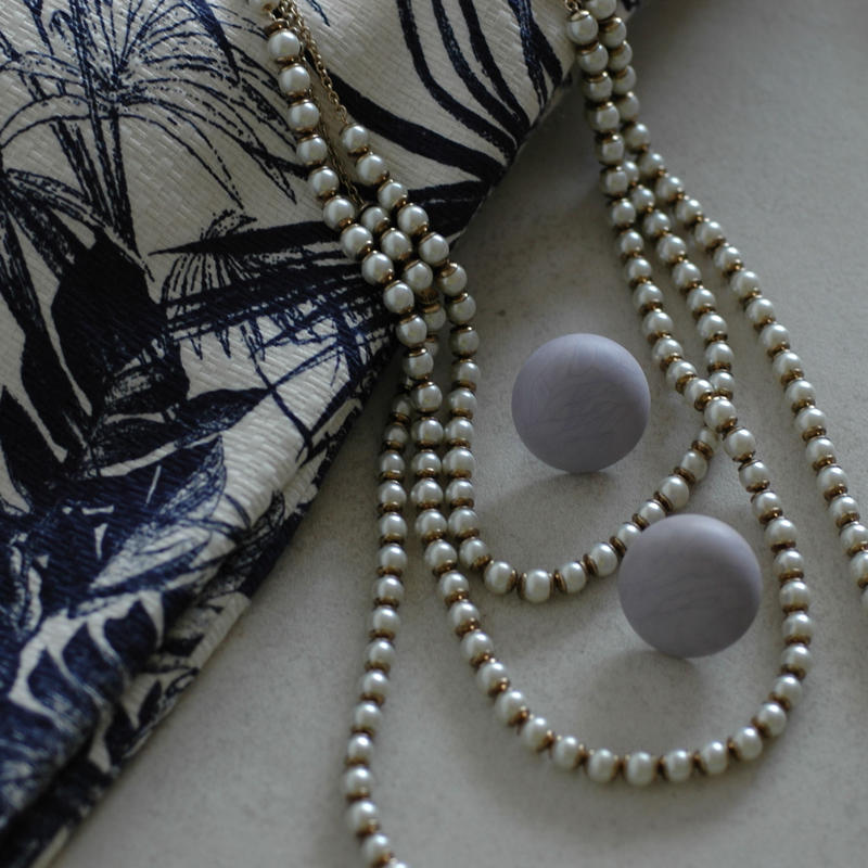 Round moire earring
