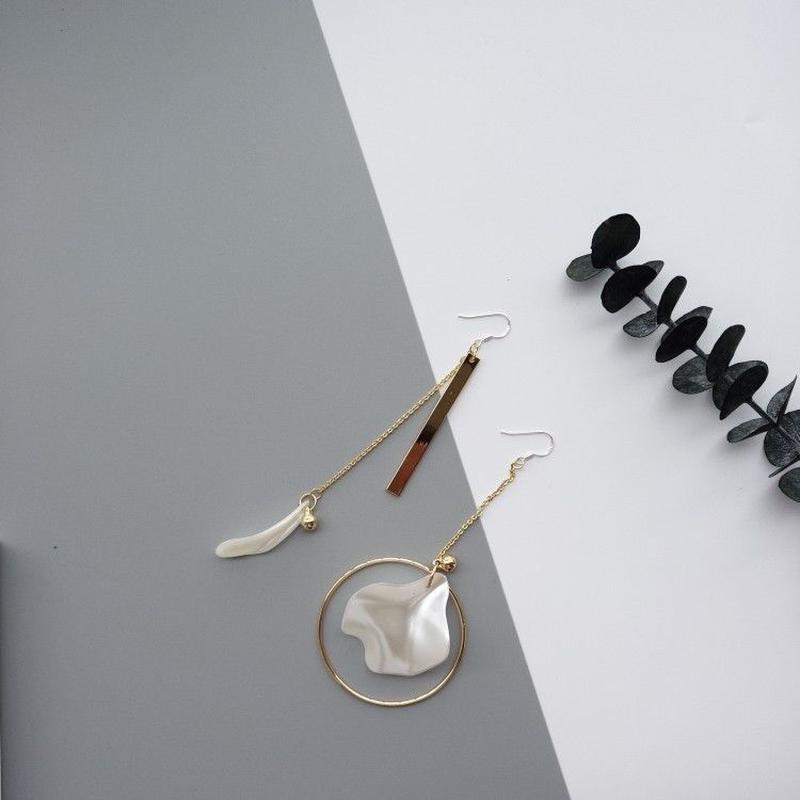 花びら・葉イレギュラーピアス/925シルバー(両耳)