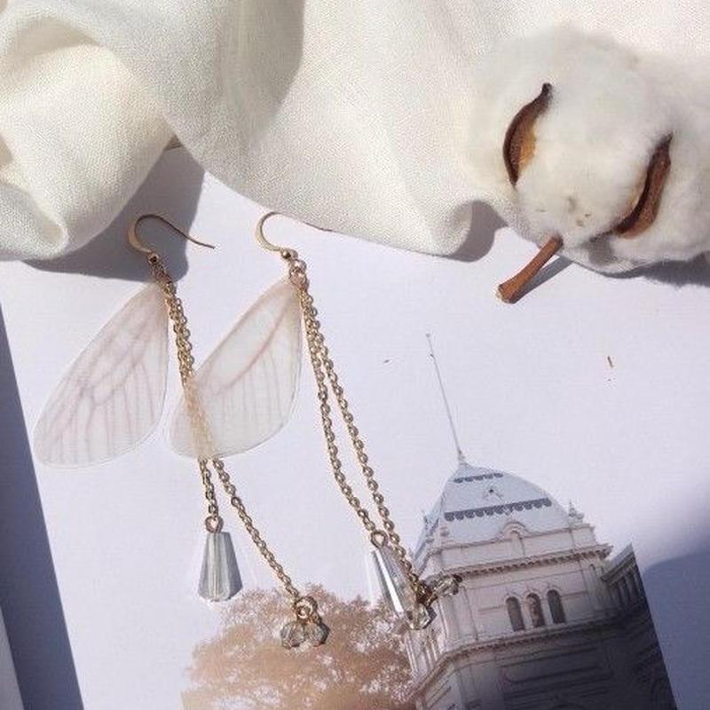翼のクリスタルピアス・イヤリング/両耳
