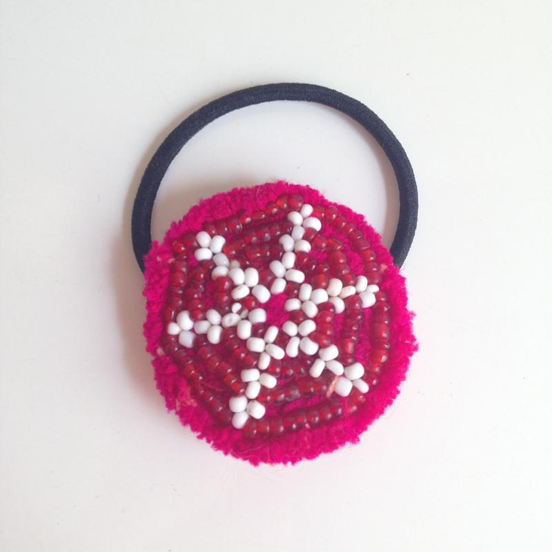 ビーズメダリオン ヘアアクセ アフガニスタン マゼンタ Afghanistan beaded medalion hair accessory HG-0003