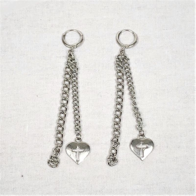 予約注文受付11/26-12/22[Hand made]Heart Cross Chain Earrings