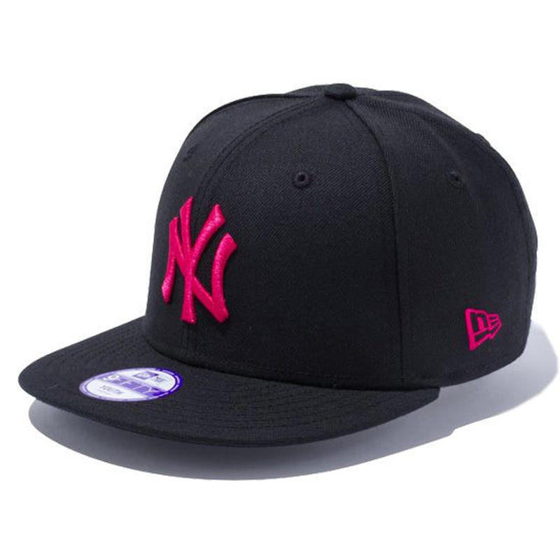【 NEW ERA / ニューエラ 】 KIDS 9FIFTY ニューヨーク・ヤンキース スナップバック キャップ/ブラック×ストロベリー