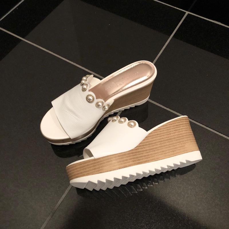 【予約】lamb leather sandal / white