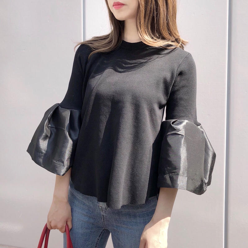 bell sleeve knit / black