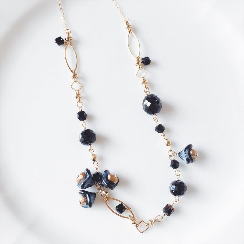 Grass flower beas long necklace .Black