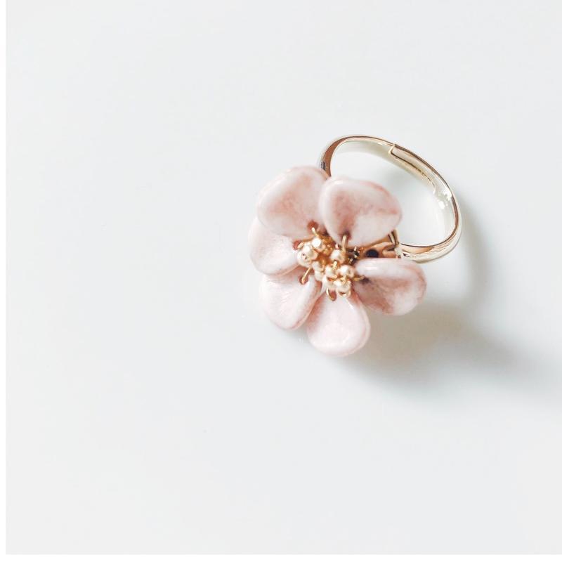 flower ring. pink