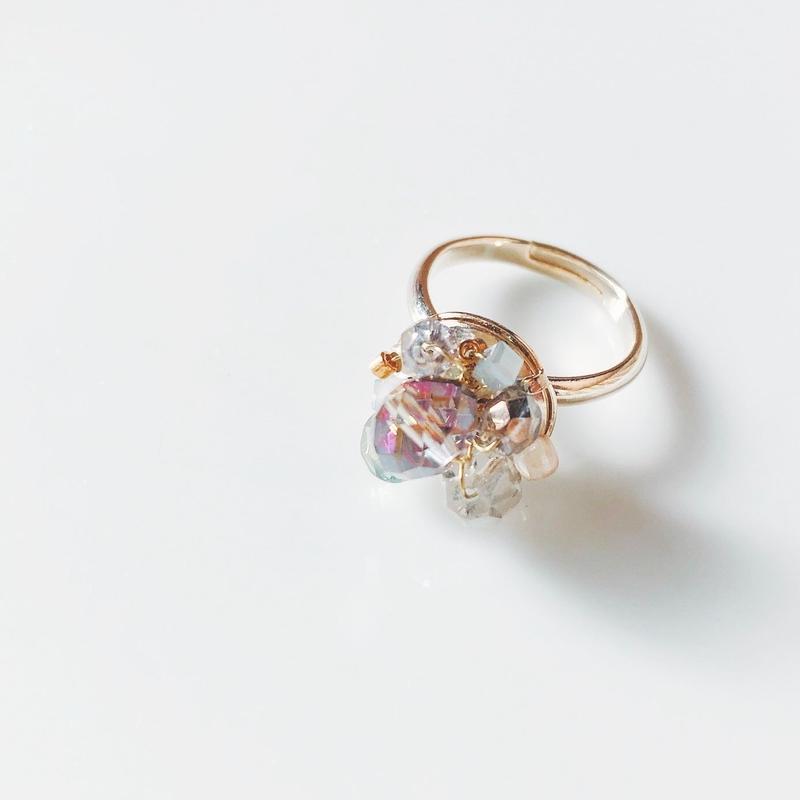 Beas bijou ring. pastel