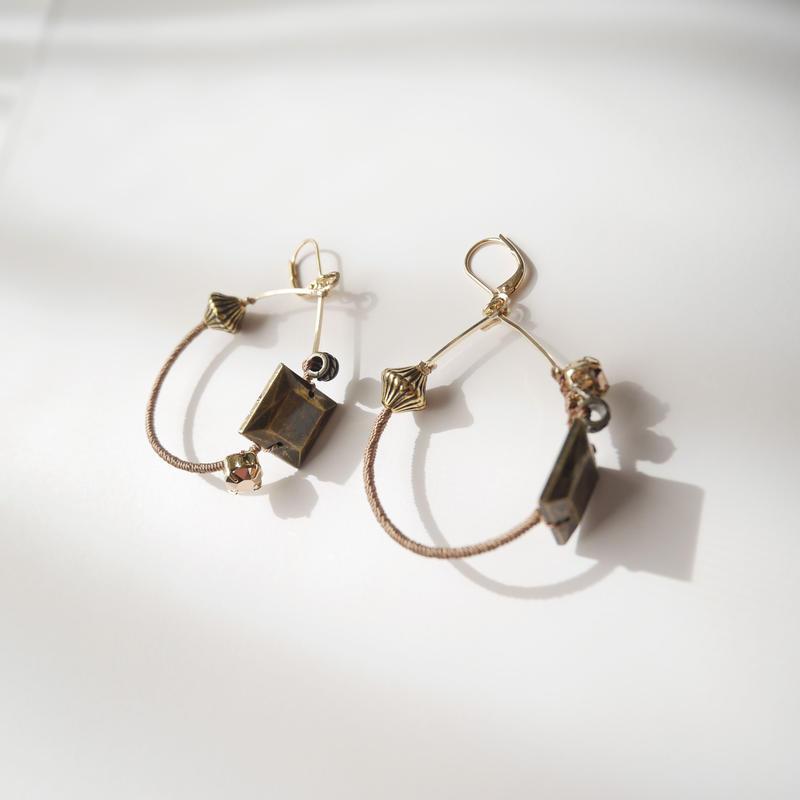metal foop pierce/earrings Small CAMEL